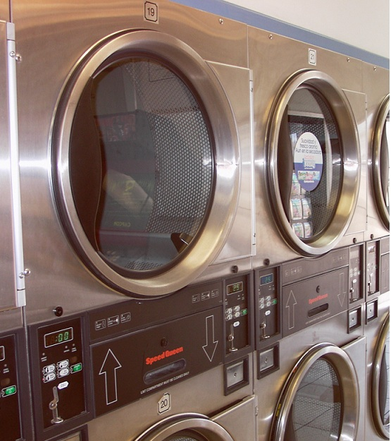 4 Reasons to Buy A Laundromat.
